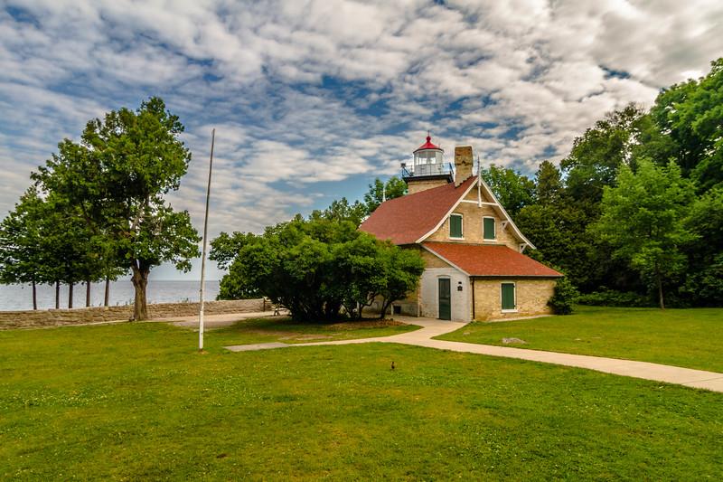 Eagle Bluff Light 270