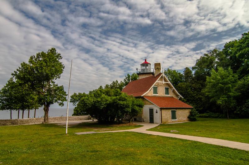Eagle Bluff Light 285
