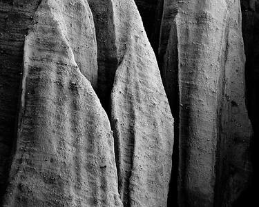 Rock Shrouds BW Hagen Canyon, Ca