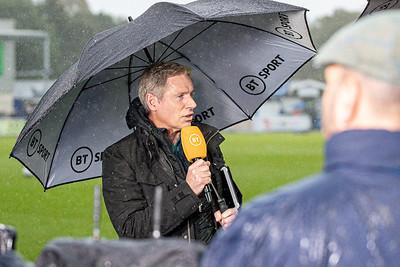 Crowds tv & rain-11