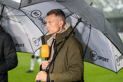 Crowds tv & rain-10