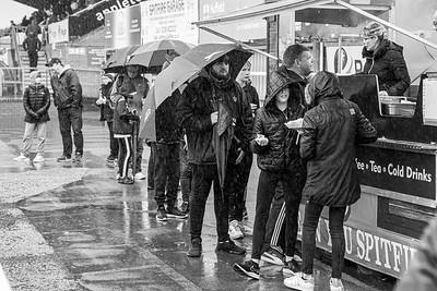 Crowds tv & rain-4