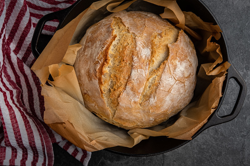 Rustic White Bread Baked in a Dutch Oven