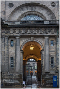 Old College entrance archway, South Bridge (1)