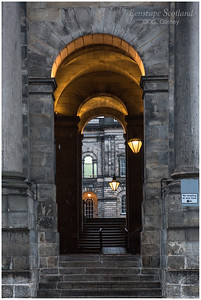 Old College entrance archway, South Bridge (2)