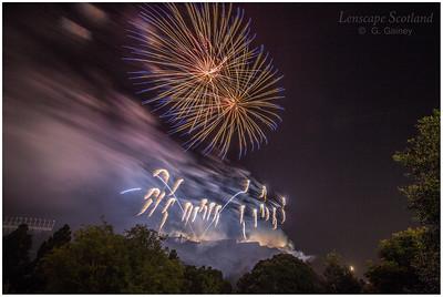 Fireworks over Edinburgh Castle from Princes Street Gardens (10)