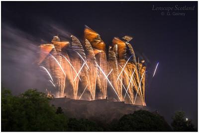 Fireworks over Edinburgh Castle from Princes Street Gardens (7)