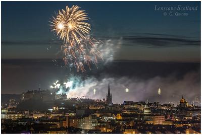 Fireworks over Edinburgh Castle from Holyrood Park (4)