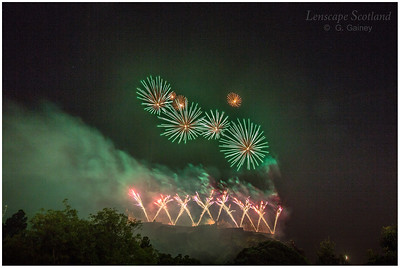 Fireworks over Edinburgh Castle from Princes Street Gardens (9)