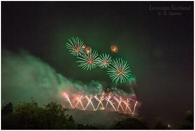 Fireworks over Edinburgh Castle from Princes Street Gardens (9)