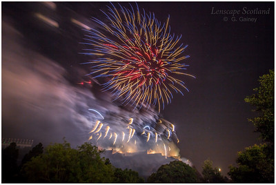 Fireworks over Edinburgh Castle from Princes Street Gardens (11)