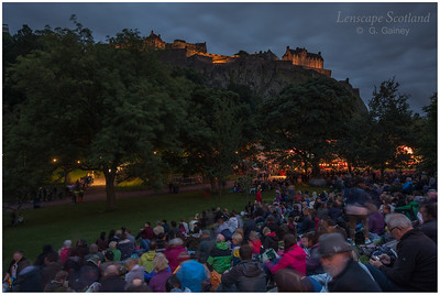 Fireworks over Edinburgh Castle from Princes Street Gardens (1)