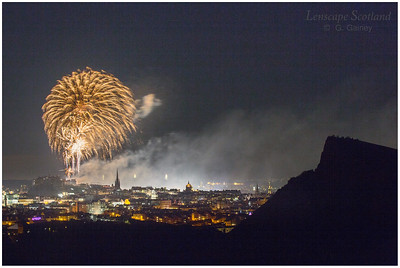 Fireworks over Edinburgh Castle from Holyrood Park (9)