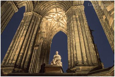 Scott Monument and Sir Walter Scott statue at night
