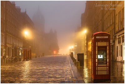 High Street and Saint Giles Cathedral in the mist