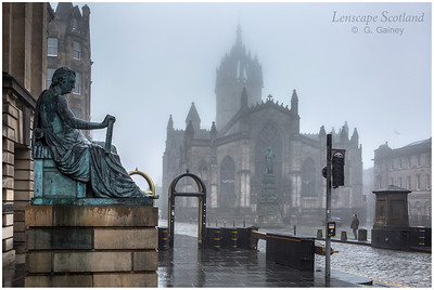 Saint Giles Cathedral and David Hume statue in the mist (2)