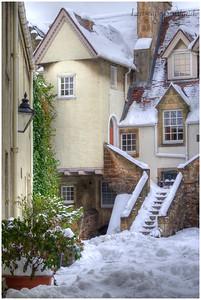 White Horse Close, Canongate