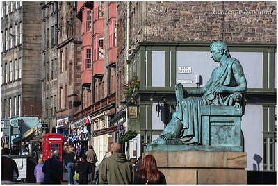 David Hume statue, High Street (2)