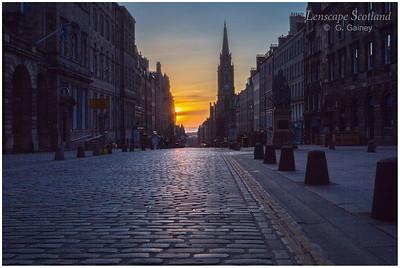 Sunrise on the Royal Mile (4)