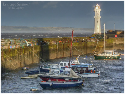 Newhaven harbour in stormy weather (3)
