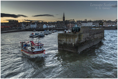 Newhaven harbour at dawn (1)