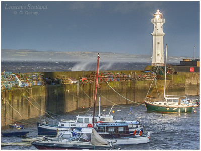 Newhaven harbour in stormy weather (4)