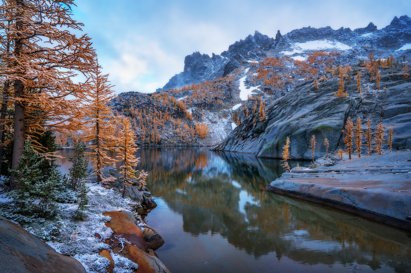 Fusion of Fall and Winter at the Enchantments