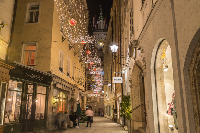 Sigmund-haffner-gasse in Salzburg at Christmas
