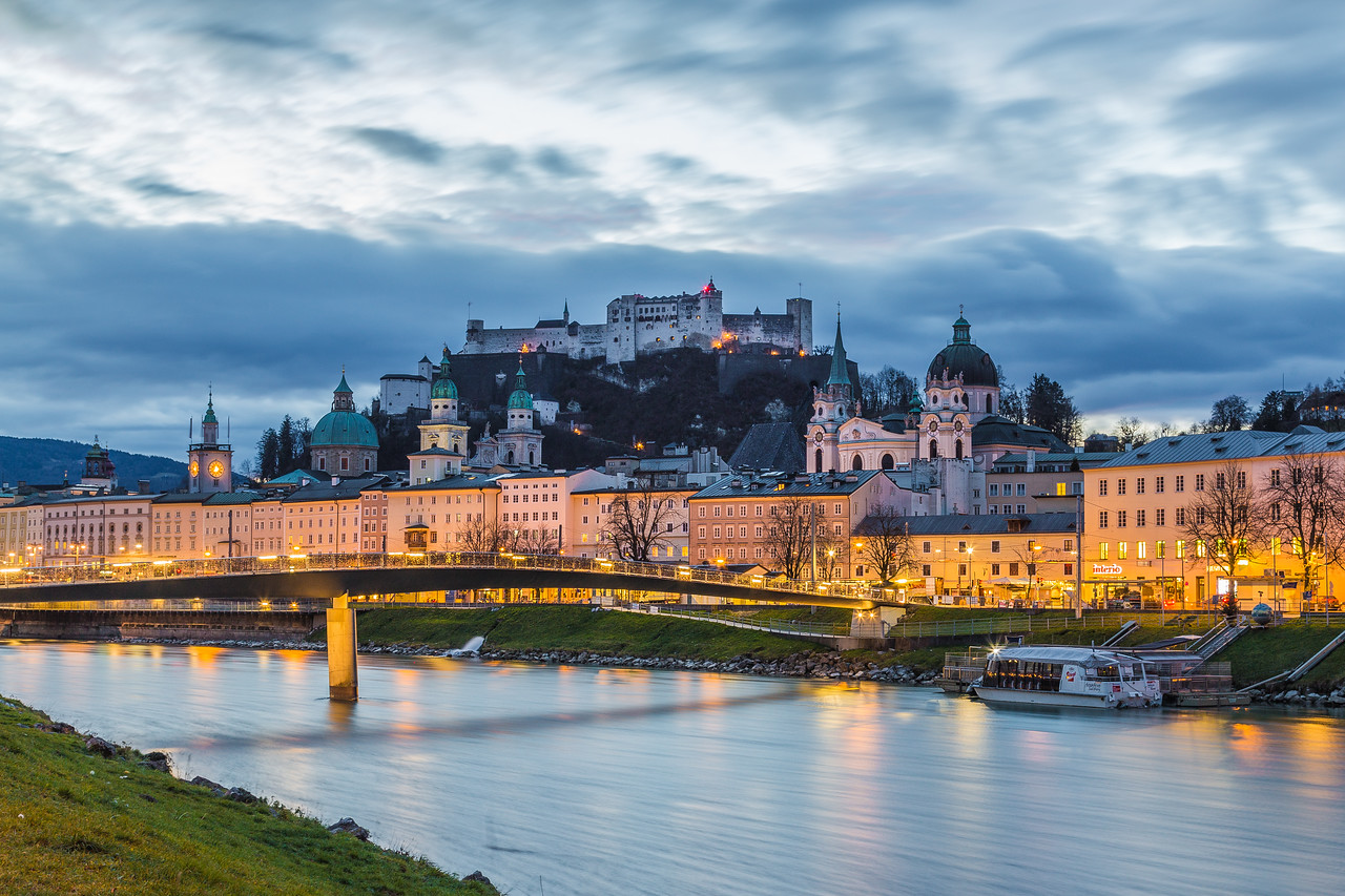 Salzburg skyline at night