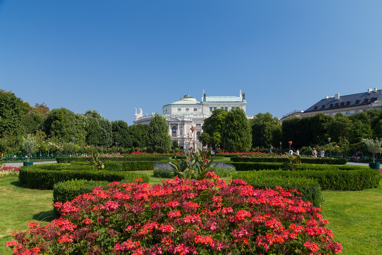 Volksgarten in the Summer