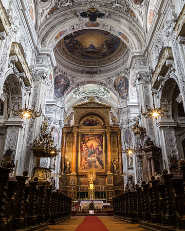 Dominikanerkirche Interior in Vienna