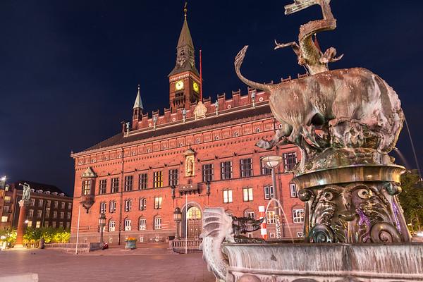 Copenhagen City Hall at night from Radhuspladsen