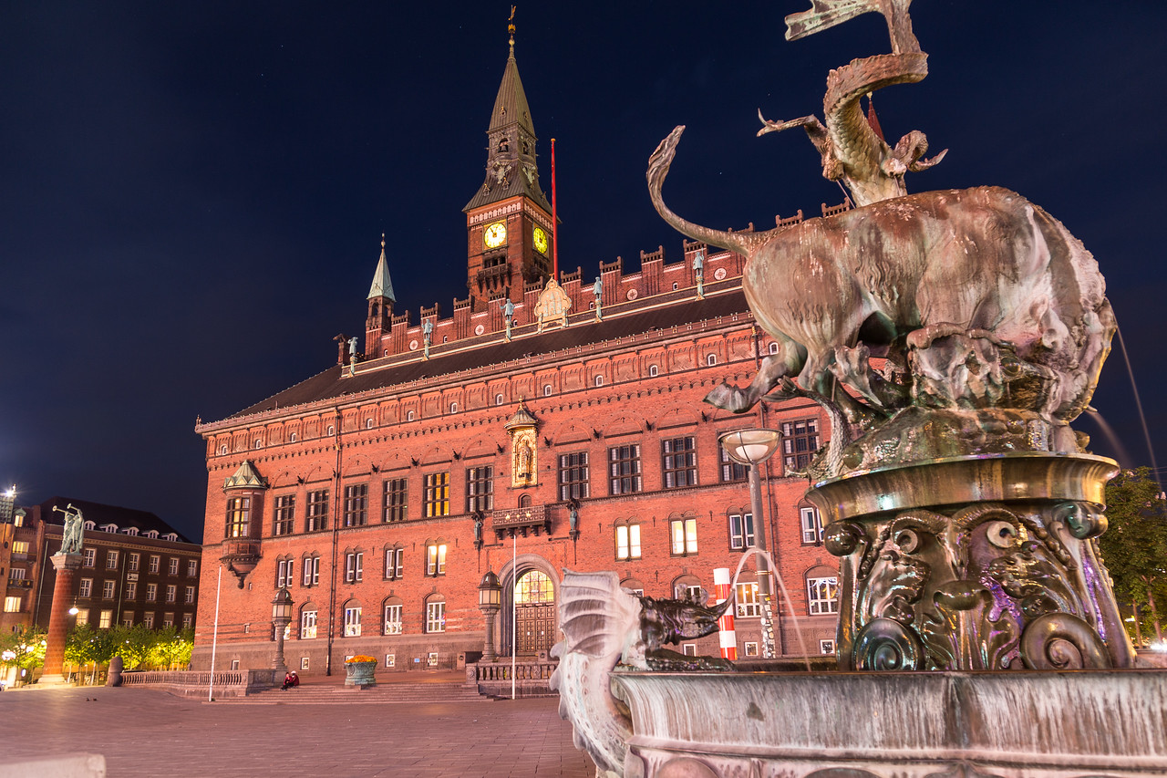 Copenhagen City Hall at night from Radhuspladsen