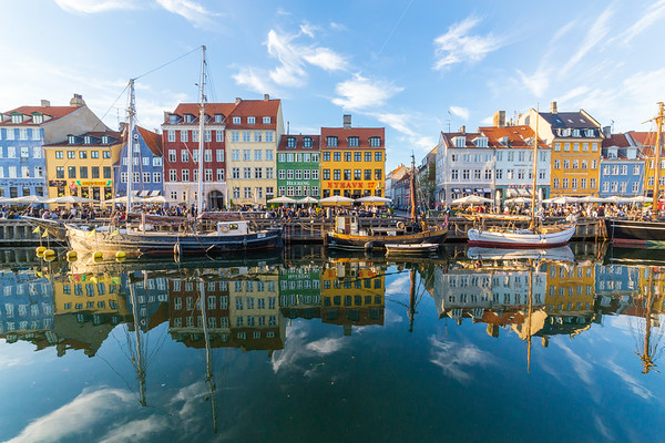 Buildings, architecture, boats and reflections along the Nyhavn