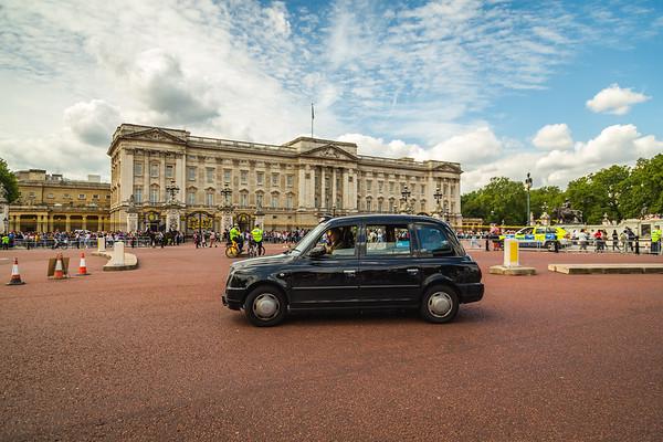 London Black Cab and Buckingham Palace