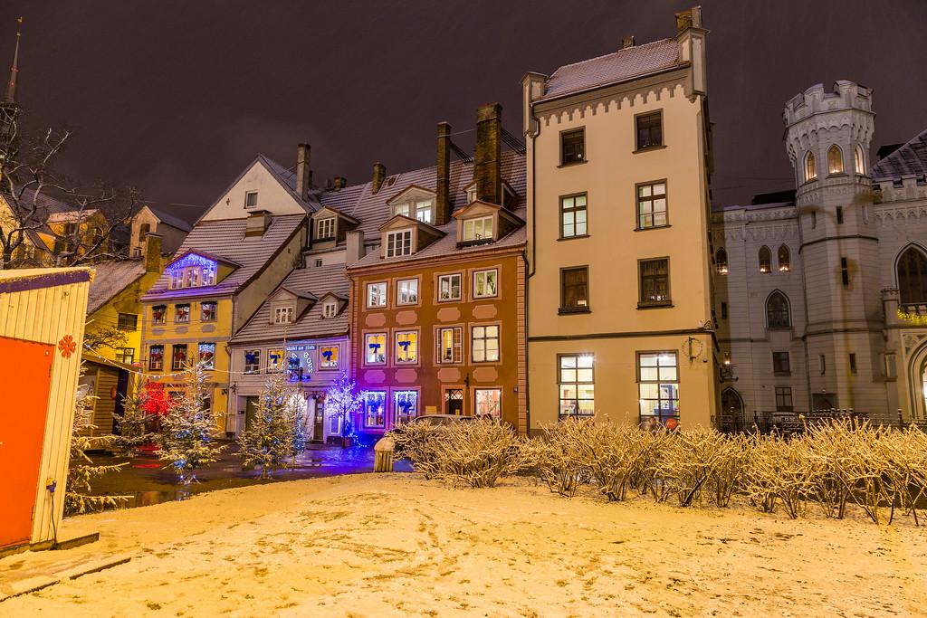 Livu Laukums (Square) at night.