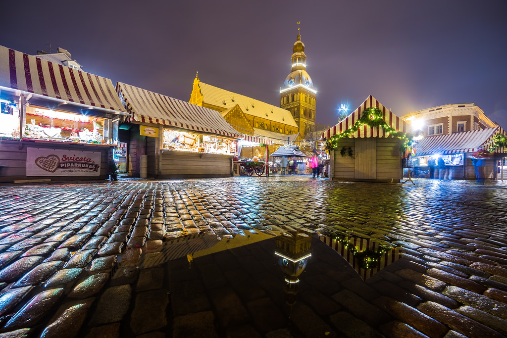 Riga Doms Cathedral and Christmas Markets Stalls at Ratslaukums