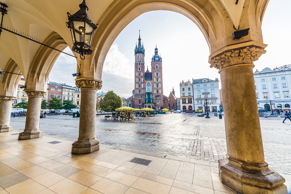 St. Mary's Basilica, shops and buildings on Rynek Glowny in Krakow