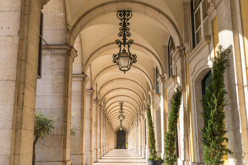 Arch corridors alongside the Praca do Comercio