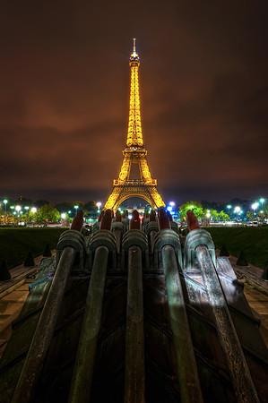 Armes sur Tour Eiffel