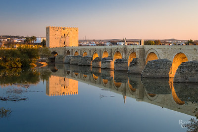 Córdoba - reflecting on a Roman bridge