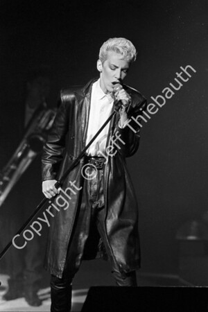 04-Eurythmics-Great Woods-8-29-86