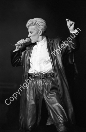 01-Eurythmics-Great Woods-8-29-86