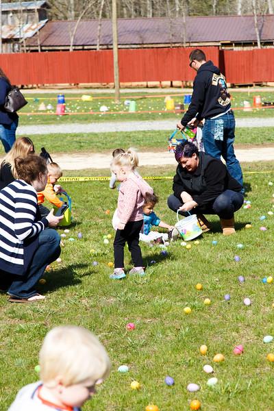 Easter Egg Hunt-094