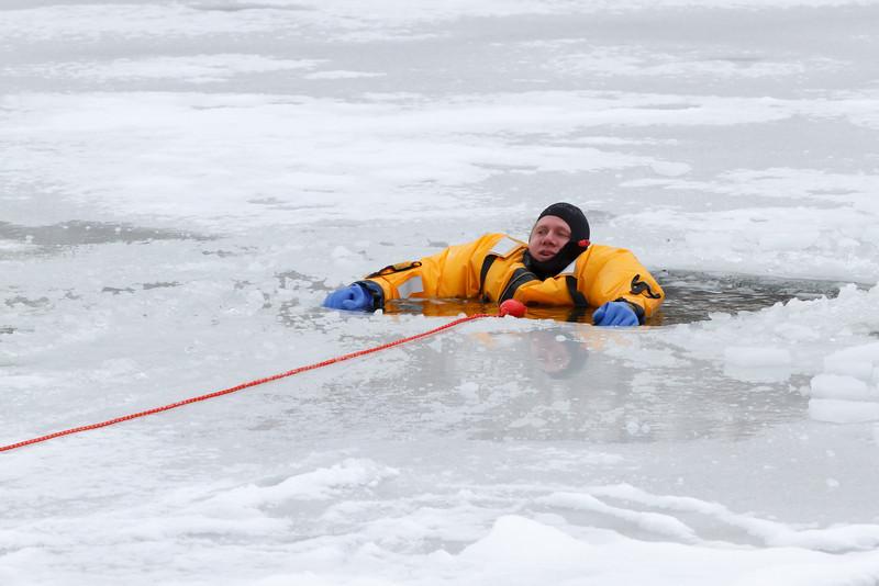 Ice Resuce (2)