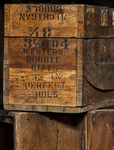 Western Double Bitts Shipping Crate