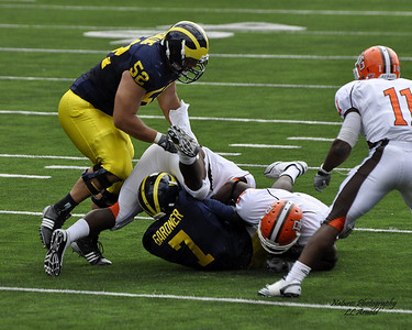 Devin Gardner tackled