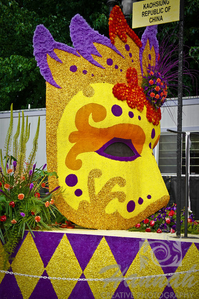 Portland Rose Festival 2011 Grand Floral Parade Float Showcase  © Copyright Hannah Pastrana Prieto