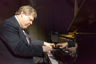 Eduard Zilberkant, President's Professor of Piano performs for the attendees of the  2014 Chancellor's Gala.  Filename: DEV-14-4063-171.jpg