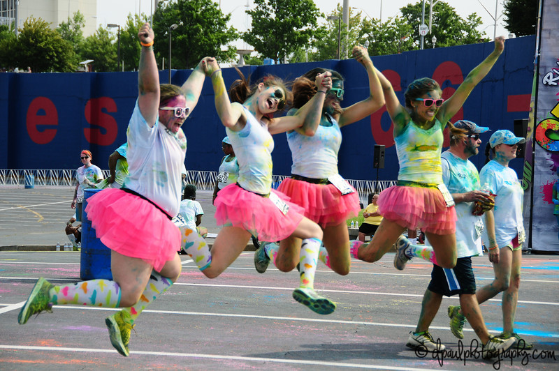 Jumping Jumping ... after 4 shot they are almost in Sync ! ;) :P Run Or Dye - Atlanta @ Turnerfield, Atlanta - Georgia - USA
